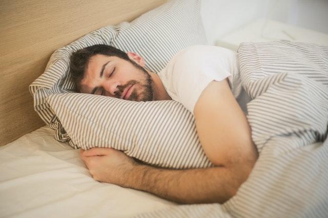 CBD kann den Schlaf positiv beeinflussen